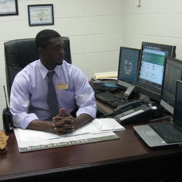 Dr. Darren Wilkins
